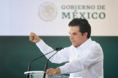 No obstante, refirió que primero tiene que terminar los hospitales que quedaron inconclusos en anteriores administraciones, citando como ejemplo el de Gómez Palacio, en el que se cuenta con el inmueble y con el equipo, pero no hay personal.