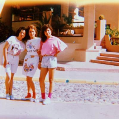 Sonia Angélica Cazáres Salazar en un viaje con sus amigas en el año de 1989.