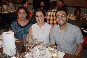 28092019 CENA MARIDAJE.  Mary, Marcela y Ricardo.