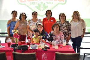 28092019 GRATOS MOMENTOS.  Un grupo de amigas estuvieron pasándola bien en reciente evento social.