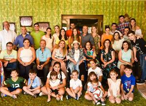 30092019 CELEBRACIóN DE CUMPLEAñOS.  Elena de Webb acompañada de sus hijos nietos y bisnietos.