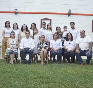 29092019 EN FAMILIA.  Festejan los 80 años de María Teresa Saucedo Limón.