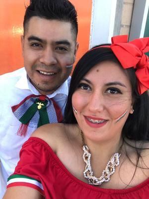 29092019 MUY MEXICANOS.  El 15 de septiembre en una cena mexicana celebraron la Ing. Lourdes Astrid Olivares y su esposo Ing. Marcos Hernández.