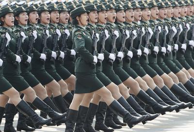 Celebra los 70 años en el poder del Partido Comunista.