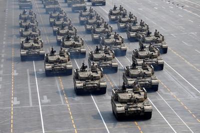 Desfilaron ante el presidente, Xi Jinping.
