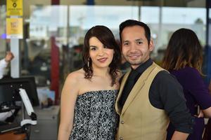 01102019 EN PAREJA.  Valeria y Carlos.