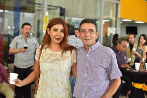 02102019 MUY CONTENTOS . Carmen Delgado y Michael Barbera.