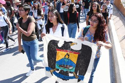Estudiantes laguneros conmemoraron la fecha.