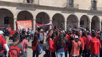 Pero también, denunció que en Durango existe represión al considerar que se han dado casos de abuso de autoridad.