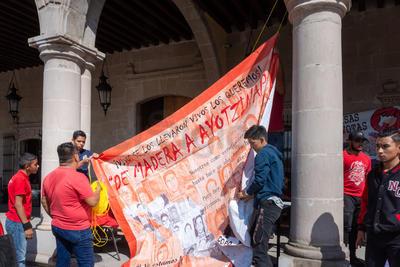 Además recordaron otros momentos en los que hubo abuso de poder tales como la matanza de Acteal, la de Aguas Blancas y la desaparición de los 43 estudiantes de Ayotzinapa.