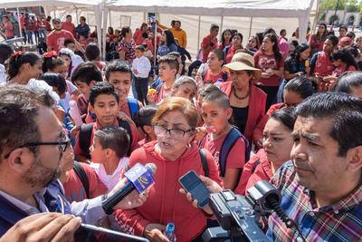 Miembros de la organización Cocopo realizaron una manifestación por calles de la Zona Centro de la ciudad, hasta llegar al museo Francisco Villa, ubicado frente a la plaza IV Centenario.