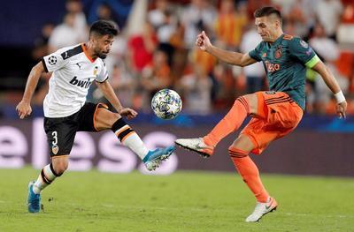 Mexicanos juegan en la Champions League