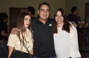 04102019 Vanessa Rojas, Pablo Almanza y Alejandra Fisher.