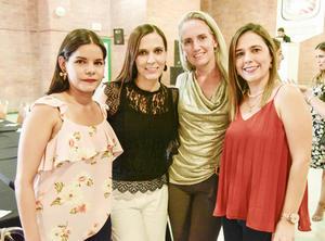 Nelly Garcia, Roxana Garcia, Diana Chapoy y Cristina Araujo.