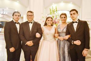 Luisa Campos cumple quince