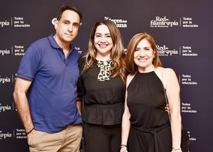 Felipe Silva,Ana Quiñones y Vivi Perez.
