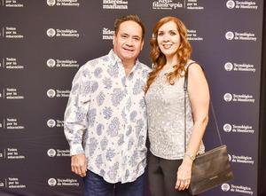 Monica Alvarez y Alfonso Lopez.