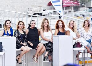 Fernanda, Carmen, Irene, Vero, Susy, Vanessa y Rosy.