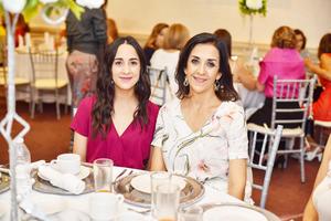 Claudia y Carolina