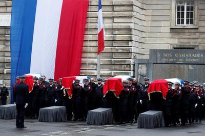 Francia recordó a los policías víctimas de un ataque la semana pasada.