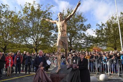 ¡Zlatan Ibrahimovic ya tiene estatua en su pueblo natal!