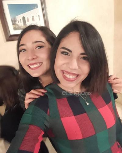 Xiomara y Stefi.