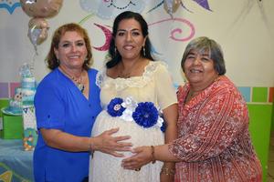 10102019 PRONTO SERá MAMá.  Cecilia Amozurrutia en su baby shower acompañada por Juanita y Cecilia.