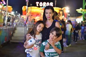 10102019 Sofía, Ximena y Ricky.