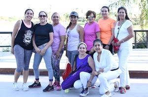 12102019 108 SALUDOS AL SOL.  Biby, Lety, Angy, Gloria, Charo, Sandra, Miriam, Daniela y Lety.