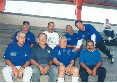 Grupo Cachibool IMSS jubilados en los 90. Don Arnulfo, maestro Sergio (f), Arturo Domiciano (f), don Luis (f), Alberto, Lorenzo, Conrado y Pepe Rivera (f).