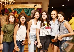 Alessa, Sandra, Greta, Isabel, Mariana y Rebeca.