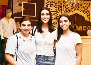 Marifer,Luisa y Renata.