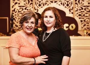 Teresa y Brenda Romero.