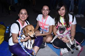 15102019 Mónica, Mayra y Gaby con sus mascotas Ozzy y Azkar.