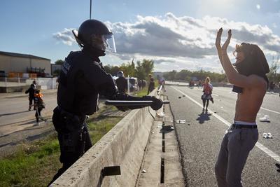 Las movilizaciones están resguardadas por cuerpos de seguridad.