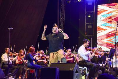 Laguneros disfrutan diversidad musical en la Plaza Mayor