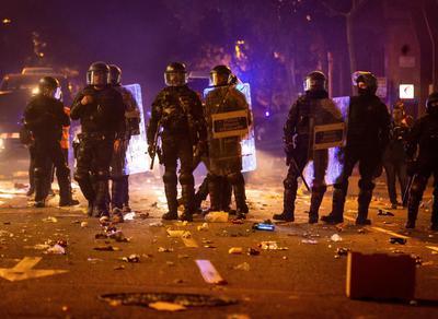Se vivió una segunda noche de disturbios.