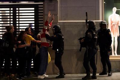 La Policía regional catalana detuvo a 30 personas.