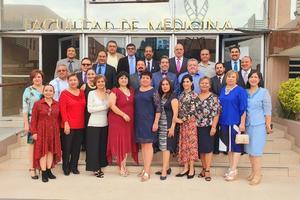 16102019 LA FOTOGRAFíA DEL RECUERDO.  Médicos laguneros festejaron la reunión de aniversario de la generación 26 de la Facultad de Medicina de la UAdeC.