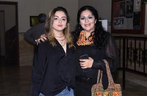 18102019 Alexa y Alejandra de la Peña.