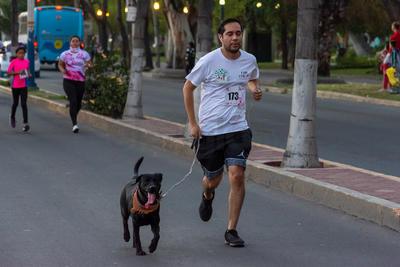 Algunos corrieron, caminaron o trotaron el recorrido de los cinco kilómetros.