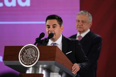 Guillermo Santiago Rodríguez, director general del Instituto Mexicano de la Juventud, reconoció a los jóvenes galardonados.
