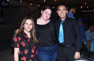21102019 Valeria Arias, Andrea Estrada y Jonathan Martínez.