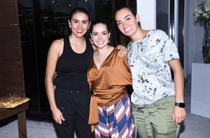 20102019 Karla, Mary Gaby y Rebeca.