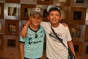 21102019 AMIGOS   Luis Fer y Leonardo.