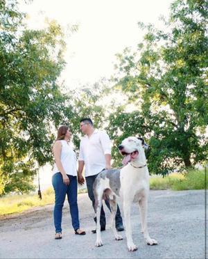 20102019 BODA EN PUERTA.  Laura Angélica Dávila Pasillas y Ernesto Rodolfo Treviño Reyes, esperan ilusionados su boda el próximo año.