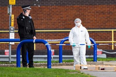 La policía británica encontró 39 cadáveres en el contenedor de un tráiler.