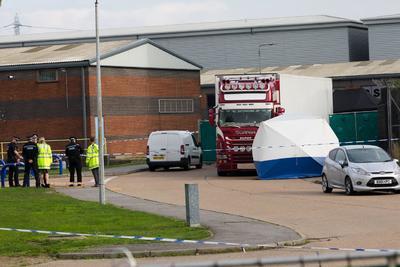Los agentes confirmaron que entre los cuerpos sin vida se encuentra un adolescente.