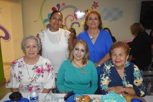 23102019 RECIENTE FESTEJO.  Karina, Juanita, Kata, Isela y Luz María.