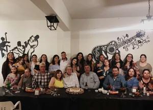 23102019 GRATOS MOMENTOS.  Sergio Villarreal celebró su cumpleaños en compañía de sus amistades.